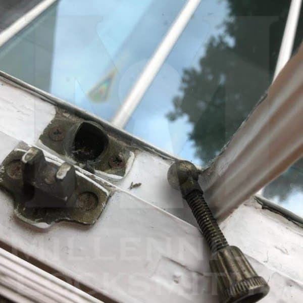 Broken Window Sashlock